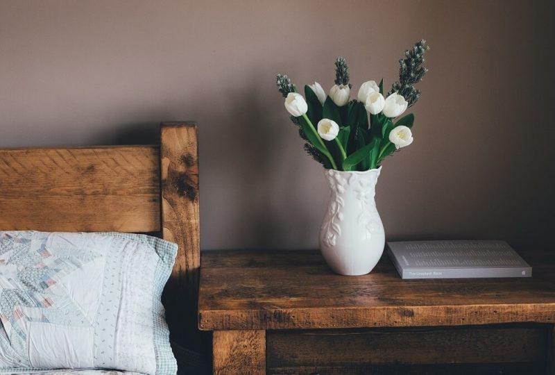 20 DIY Farmhouse Bedroom Ideas For Your Inspiration