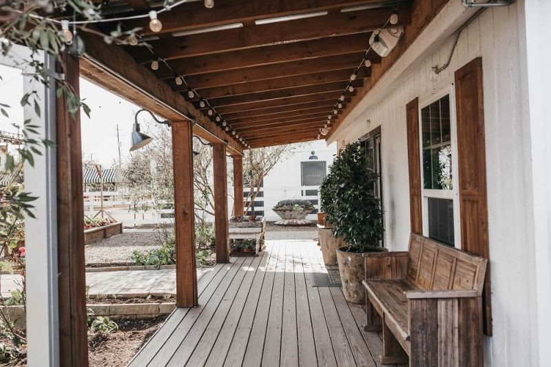 25 Farmhouse Porch Design Ideas To Add Something In Your Design World