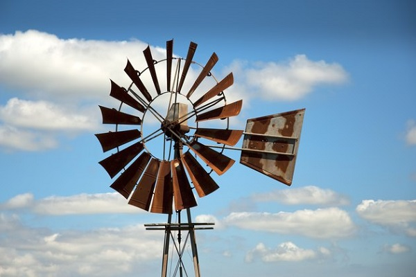 8 DIY Windmills For Garden To Make Your Backyards More Beautiful In A Rustic Look