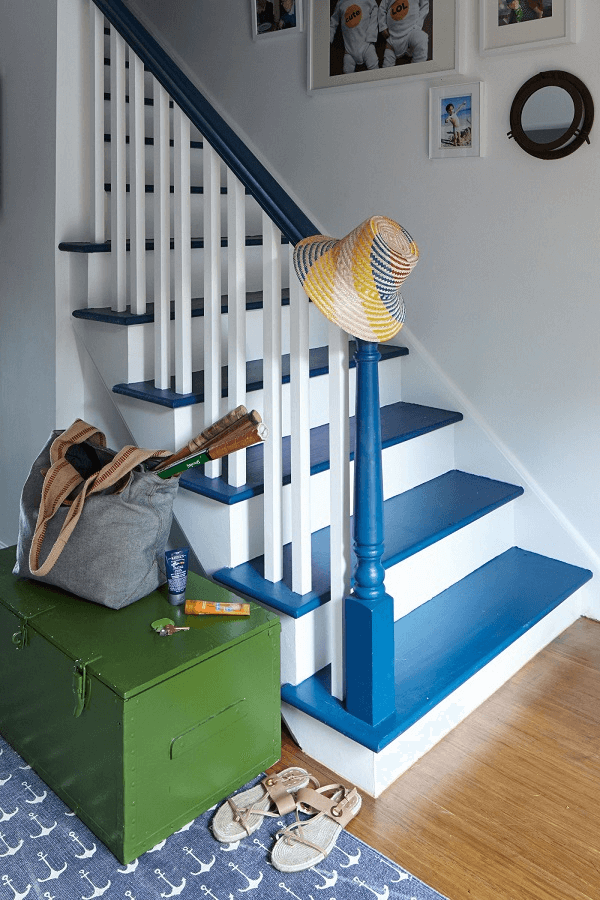 32 Farmhouse Staircase Decor Ideas