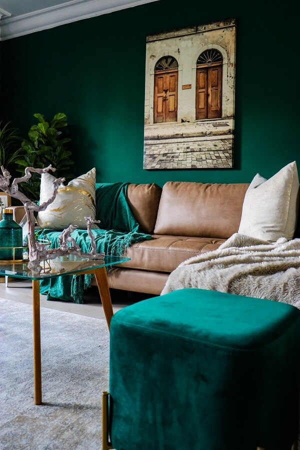How To Create A Comfortable And Cozy Family Room