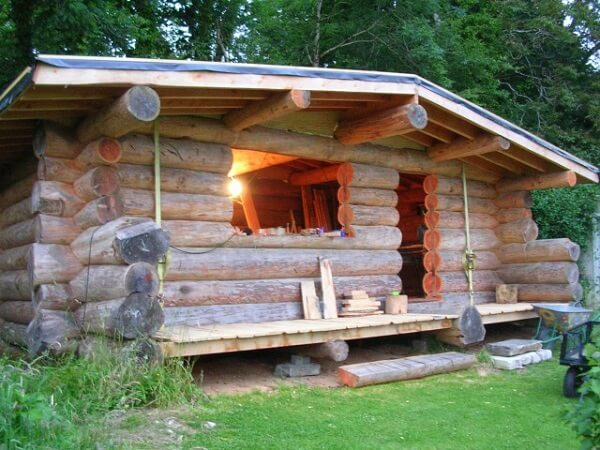 50 Comfortable Farmhouse Small Log Home Design Ideas For Best Inspirations