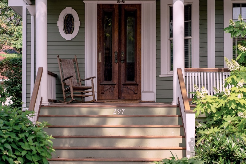 Top 15 Front Porch Styling Tips