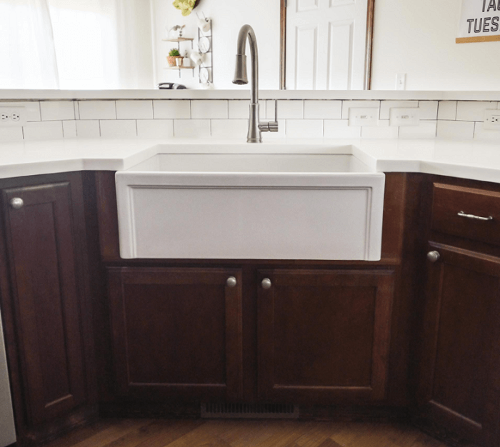 A Farmhouse Sink In Existing Cabinets, Install Farmhouse Sink Existing Cabinets